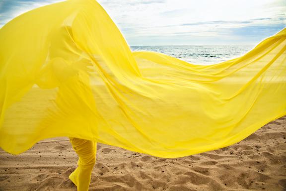 julie-yellow